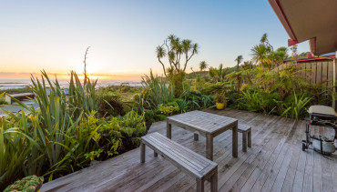Nikau cottage with sea views accommodation Punakaiki.
